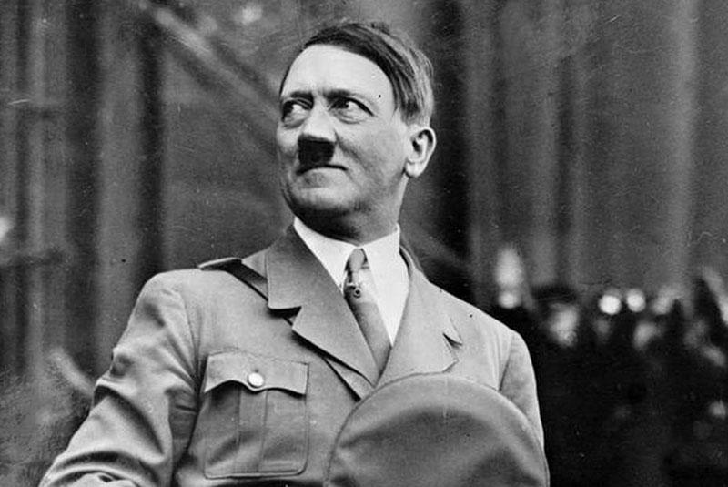 ادوف هیتلر نویسنده کتاب نبرد من